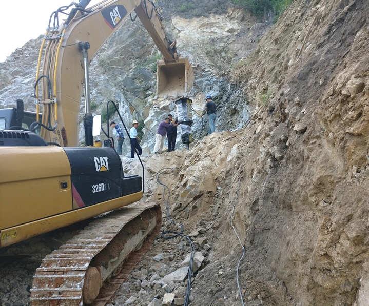 贵州安顺房屋建设土石方开挖静态劈石机多少钱一套