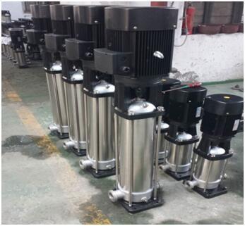 整体不锈钢材质的QDL8-180水泵和CDL8-18水泵实物图